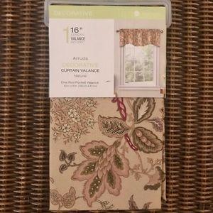 NWT Floral Rod Pocket Curtain Valance